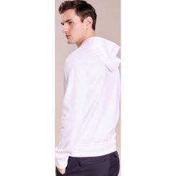 Polo Ralph Lauren DOUBLE TECH Bluza rozpinana white. Białe kardigany męskie Polo Ralph Lauren, m, z bawełny, polo. W wyprzedaży za 471,20 zł.