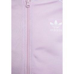 Adidas Originals SET  Kurtka sportowa pink. Szare kurtki dziewczęce marki adidas Originals, na co dzień, z nadrukiem, z bawełny, casualowe, z okrągłym kołnierzem, proste. Za 269,00 zł.