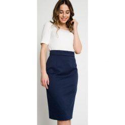 Minispódniczki: Granatowa ołówkowa spódnica z żakardu BIALCON