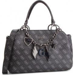 Torebka GUESS - HWSM71 79050 COAL. Czarne torebki klasyczne damskie marki Guess, z aplikacjami, ze skóry ekologicznej. Za 629,00 zł.