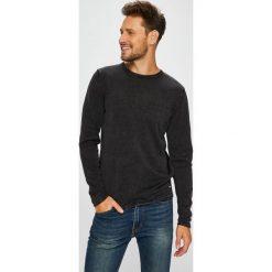 Only & Sons - Sweter. Czarne swetry klasyczne męskie marki Only & Sons, l, z bawełny, z okrągłym kołnierzem. W wyprzedaży za 79,90 zł.