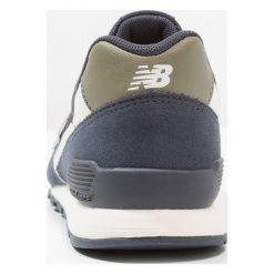 New Balance KJ996 Tenisówki i Trampki dark blue. Szare trampki chłopięce marki New Balance, na lato, z materiału. Za 299,00 zł.