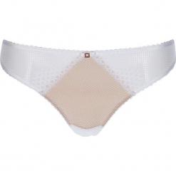 """Stringi """"Laila"""" w kolorze cielisto-białym. Białe stringi marki LASCANA, w koronkowe wzory, z koronki. W wyprzedaży za 45,95 zł."""
