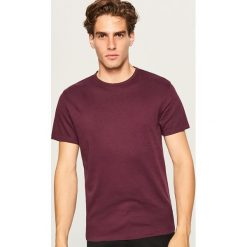 Gładki t-shirt regular fit - Bordowy. Białe t-shirty męskie marki Reserved, l. Za 49,99 zł.