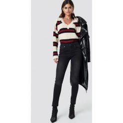 Rut&Circle Jeansy Victoria Skinny Raw - Black. Zielone jeansy damskie skinny marki Rut&Circle, z dzianiny, z okrągłym kołnierzem. Za 242,95 zł.