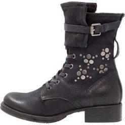 MJUS Śniegowce space. Szare buty zimowe damskie MJUS, z materiału. W wyprzedaży za 344,50 zł.