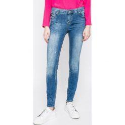 Review - Jeansy. Niebieskie jeansy damskie rurki Review, z bawełny. W wyprzedaży za 159,90 zł.