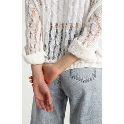 Swetry klasyczne damskie: American Vintage Sweter blanc
