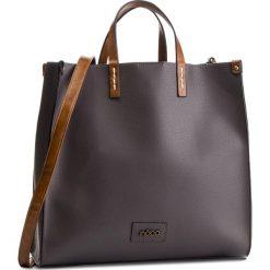 Torebka NOBO - NBAG-F0630-C019 Szary. Szare torebki klasyczne damskie Nobo, ze skóry ekologicznej. W wyprzedaży za 179,00 zł.
