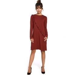 BRODY Sukienka z falbanką z przodu - bordowa. Czerwone sukienki hiszpanki BE, l, z falbankami, z długim rękawem, oversize. Za 154,90 zł.