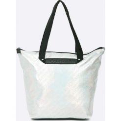 Calvin Klein - Torebka. Szare torebki klasyczne damskie marki Calvin Klein, z materiału, duże. W wyprzedaży za 399,90 zł.