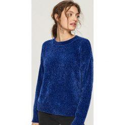 Szenilowy sweter - Niebieski. Niebieskie swetry klasyczne damskie Sinsay, l. Za 59,99 zł.