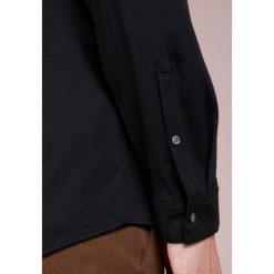 DRYKORN RUBEN Koszula black. Niebieskie koszule męskie marki DRYKORN, m, z dekoltem karo. Za 419,00 zł.