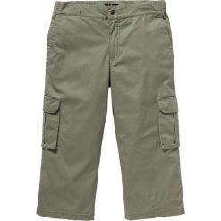 Spodnie bojówki 3/4 ze stretchem i ściągaczem w talii Regular Fit bonprix oliwkowy. Zielone bojówki męskie marki QUECHUA, m, z elastanu. Za 99,99 zł.