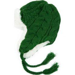 Czapka damska Ciepła uszatka Warkocz zielona. Zielone czapki zimowe damskie marki Art of Polo. Za 36,52 zł.
