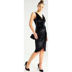 Sukienki hiszpanki: WAL G. VNECK SIDE FRILLED Sukienka z dżerseju black