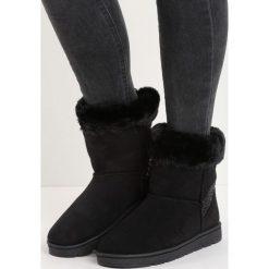 Czarne Śniegowce Vanity Fair. Czarne buty zimowe damskie Born2be, na płaskiej podeszwie. Za 79,99 zł.