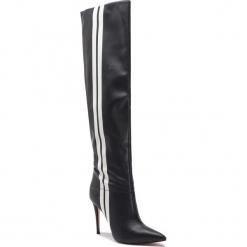 Muszkieterki GUESS - FLORE4 ELE11 BLKWH. Czarne buty zimowe damskie Guess, z materiału, na obcasie. Za 969,00 zł.