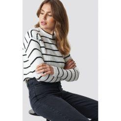Trendyol Sweter w paski - White. Szare swetry klasyczne damskie marki Vila, l, z bawełny, z okrągłym kołnierzem. Za 80,95 zł.