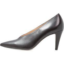 Högl Czółenka schwarz. Czarne buty ślubne damskie HÖGL, z materiału. W wyprzedaży za 421,85 zł.