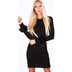 Sukienka z futerkiem na rękawach czarna 1559. Czarne sukienki Fasardi, l. Za 69,00 zł.