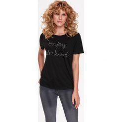 T-SHIRT Z ŁAŃCUSZKOWĄ APLIKACJĄ. Brązowe t-shirty damskie marki Top Secret, z aplikacjami. Za 39,99 zł.
