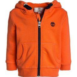 Timberland BABY LAYETTE CARDIGAN  Bluza rozpinana orange. Czerwone bluzy chłopięce rozpinane marki Timberland, z materiału. Za 199,00 zł.
