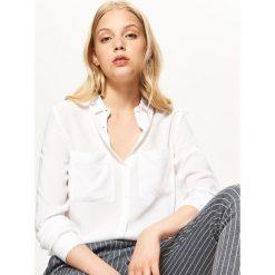 Biała koszula - Biały. Białe koszule damskie marki Cropp, l. Za 59,99 zł.
