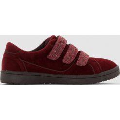 Niskie welurowe trampki, cekinowe rzepy. Brązowe buty sportowe dziewczęce La Redoute Collections, z bawełny, na rzepy. Za 84,00 zł.