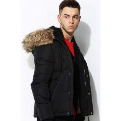 Czarna Kurtka Default Look. Czarne kurtki męskie pikowane marki Born2be, l, z kapturem. Za 294,99 zł.