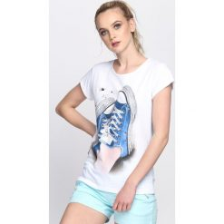 Biały T-shirt Plimsoll. Białe bluzki damskie marki Born2be, l. Za 19,99 zł.