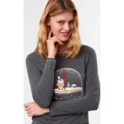 Etam - Bluzka piżamowa Alma. Szare bluzki z odkrytymi ramionami marki Etam, m, z nadrukiem, z bawełny, z okrągłym kołnierzem. W wyprzedaży za 39,90 zł.