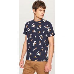 T-shirty męskie: T-shirt z nadrukiem w żagle – Granatowy