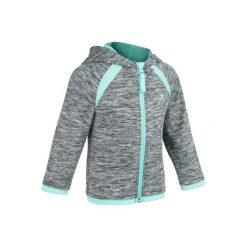 Bluza 560 Gym. Szare bluzy dziewczęce rozpinane marki DOMYOS, z elastanu, z kapturem. W wyprzedaży za 34,99 zł.