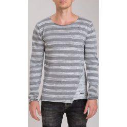 Jasnoszary Sweter M3022. Czerwone swetry klasyczne męskie marki Fasardi, l. Za 81,75 zł.