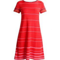Ivko STRIPED DRESS INTARSIA PATTERN Sukienka dzianinowa rot. Czerwone sukienki dzianinowe marki Ivko. W wyprzedaży za 399,20 zł.