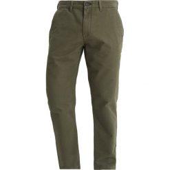 Chinosy męskie: Jack Wills ELLSMERE  Spodnie materiałowe olive