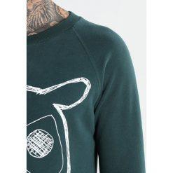 Knowledge Cotton Apparel BIG OWL Bluza green gables. Zielone kardigany męskie Knowledge Cotton Apparel, m, z bawełny. Za 399,00 zł.