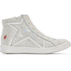 Wysokie trampki skórzane Prunella. Białe buty sportowe dziewczęce marki GBB, ze skóry, na sznurówki. Za 293,96 zł.