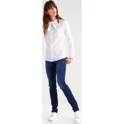 7 for all mankind ROXANNE  Jeansy Slim Fit duchess. Niebieskie jeansy damskie 7 for all mankind, z bawełny. Za 799,00 zł.