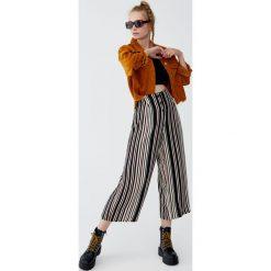 Spodnie culotte z wysokim stanem. Szare spodnie z wysokim stanem Pull&Bear. Za 69,90 zł.