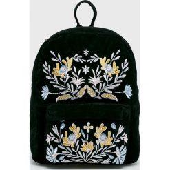 Pieces - Plecak Fairy. Czarne plecaki damskie Pieces, z haftami, z materiału. Za 169,90 zł.