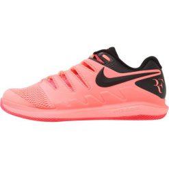 Nike Performance AIR ZOOM VAPOR X HC Obuwie multicourt lava glow/black/solar red. Czerwone buty do tenisa męskie marki Nike Performance, z materiału. Za 419,00 zł.