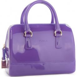 Torebka FURLA - Candy 978651 B BAS8 PL0 Lavanda e. Fioletowe torebki klasyczne damskie Furla, z tworzywa sztucznego, bez dodatków. W wyprzedaży za 629,00 zł.