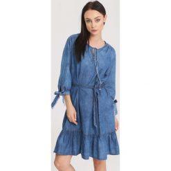 Niebieska Sukienka Noblesse. Niebieskie sukienki marki other, z jeansu. Za 69,99 zł.