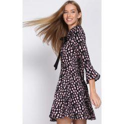 Czarno-Różowa Sukienka Beautiful Lady. Sukienki małe czarne marki numoco, l, z dekoltem w łódkę, oversize. Za 99,99 zł.