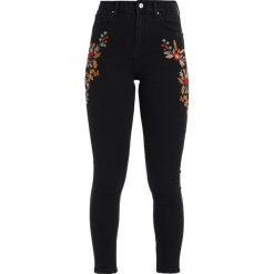 Topshop TRANS EMBROIDERY JAMIE Jeans Skinny Fit black. Czarne jeansy damskie marki Topshop. W wyprzedaży za 231,20 zł.