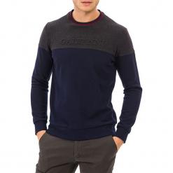 Sweter w kolorze niebiesko-szarym. Niebieskie swetry klasyczne męskie GALVANNI, m, z okrągłym kołnierzem. W wyprzedaży za 139,95 zł.