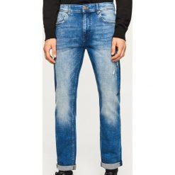 Jeansy slim fit - Niebieski. Niebieskie jeansy męskie regular Reserved. Za 169,99 zł.