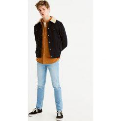 Jeansy slim comfort fit w stylu vintage. Niebieskie jeansy męskie relaxed fit Pull&Bear. Za 89,90 zł.